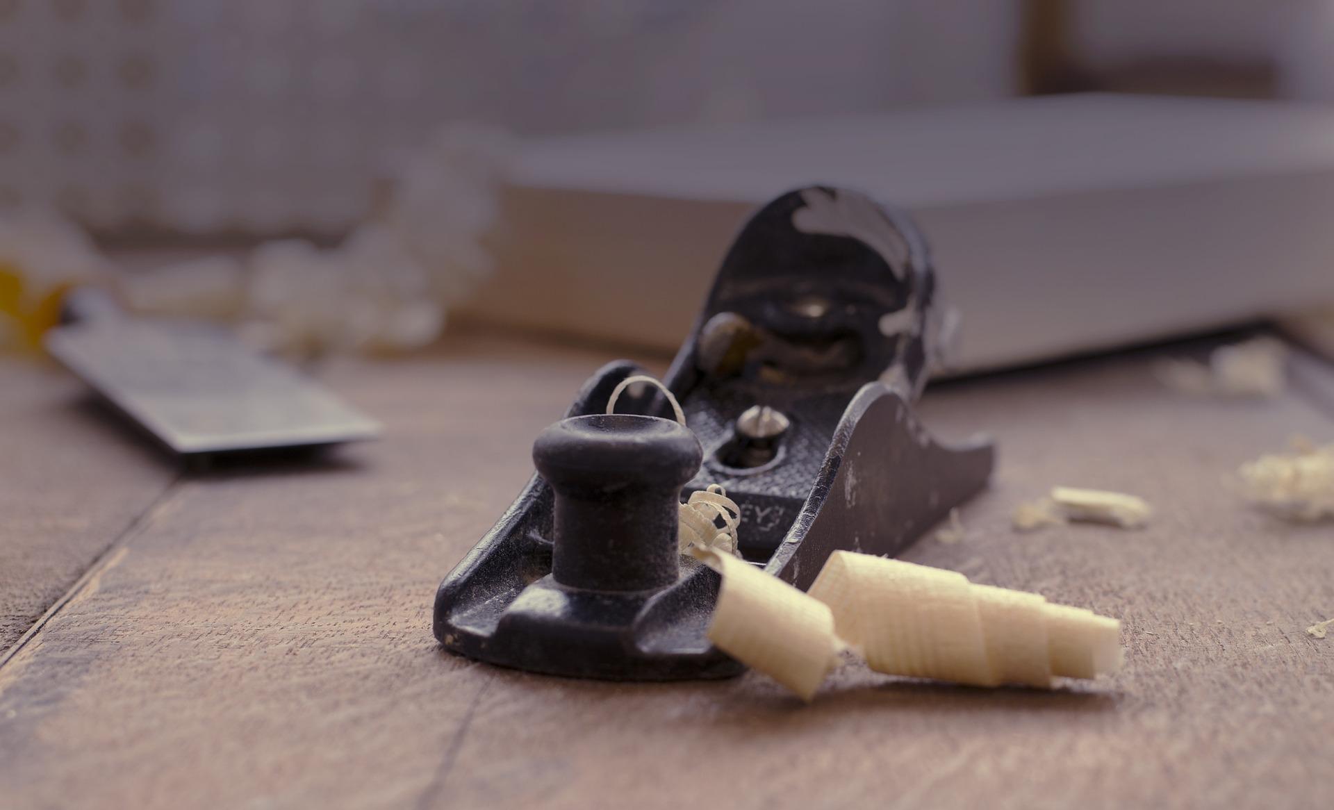 outil ebeniste, le rabot manuel à bois