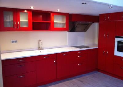 cuisine laque rouge