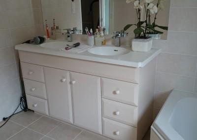 meuble de salle de bain laqué